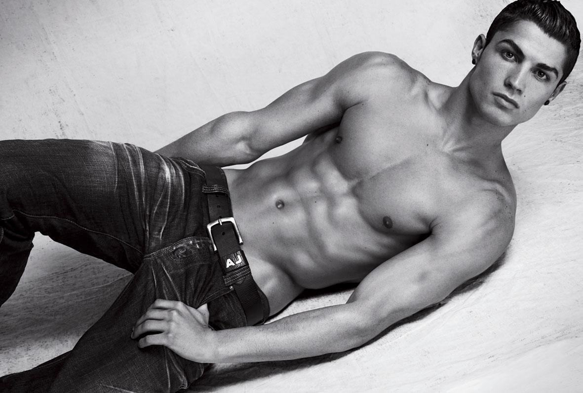 christiano-ronaldo-armani-jeans