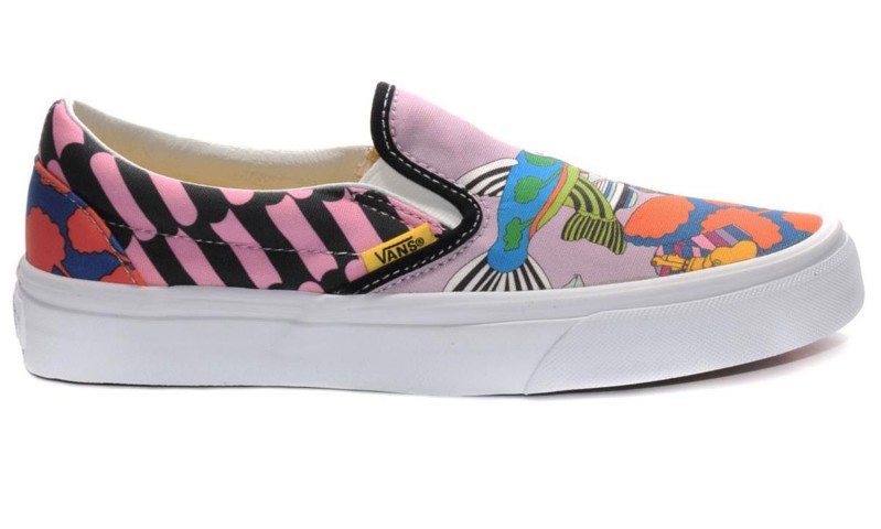 Tenis-Vans-Classic-Slip-On-The-Beatles-Sea-Of-Monsters-VN-0UC4C6B-Yellow-Submarine-57898-1_1200_1